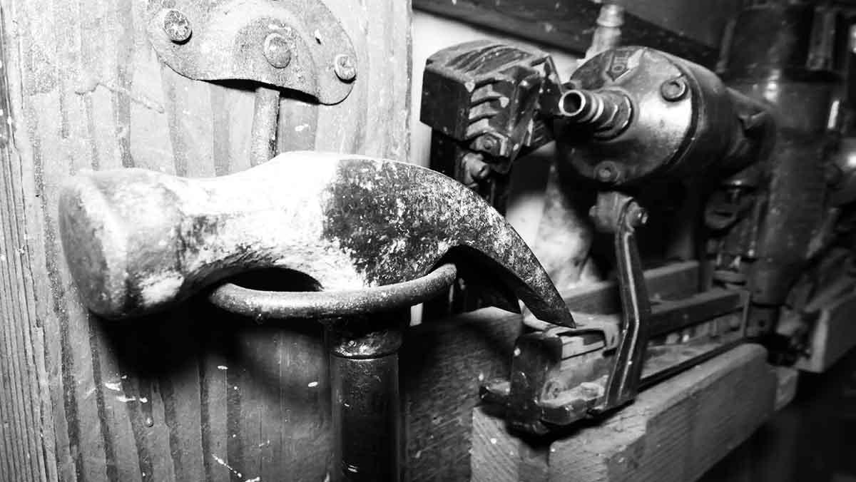 stanley hammer in rack