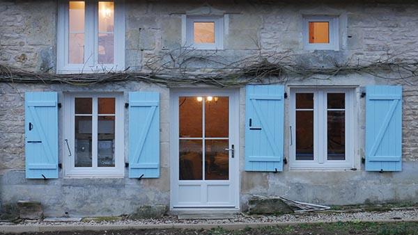 blue shutter house 01